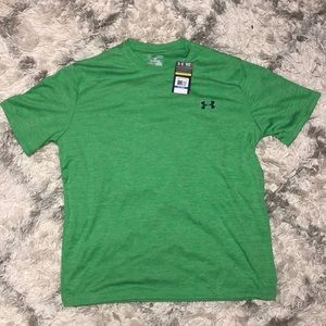 Under Armour Loose Dry- Fit Shirt